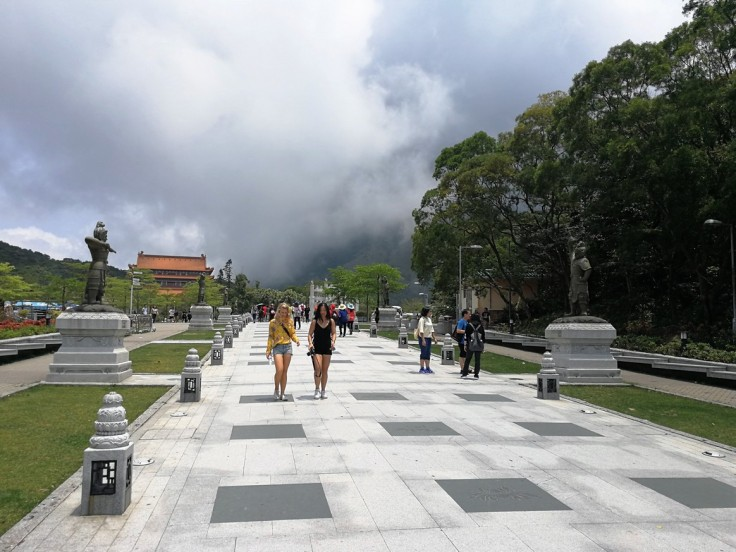 Square with the 12 generals leading to Big Buddha