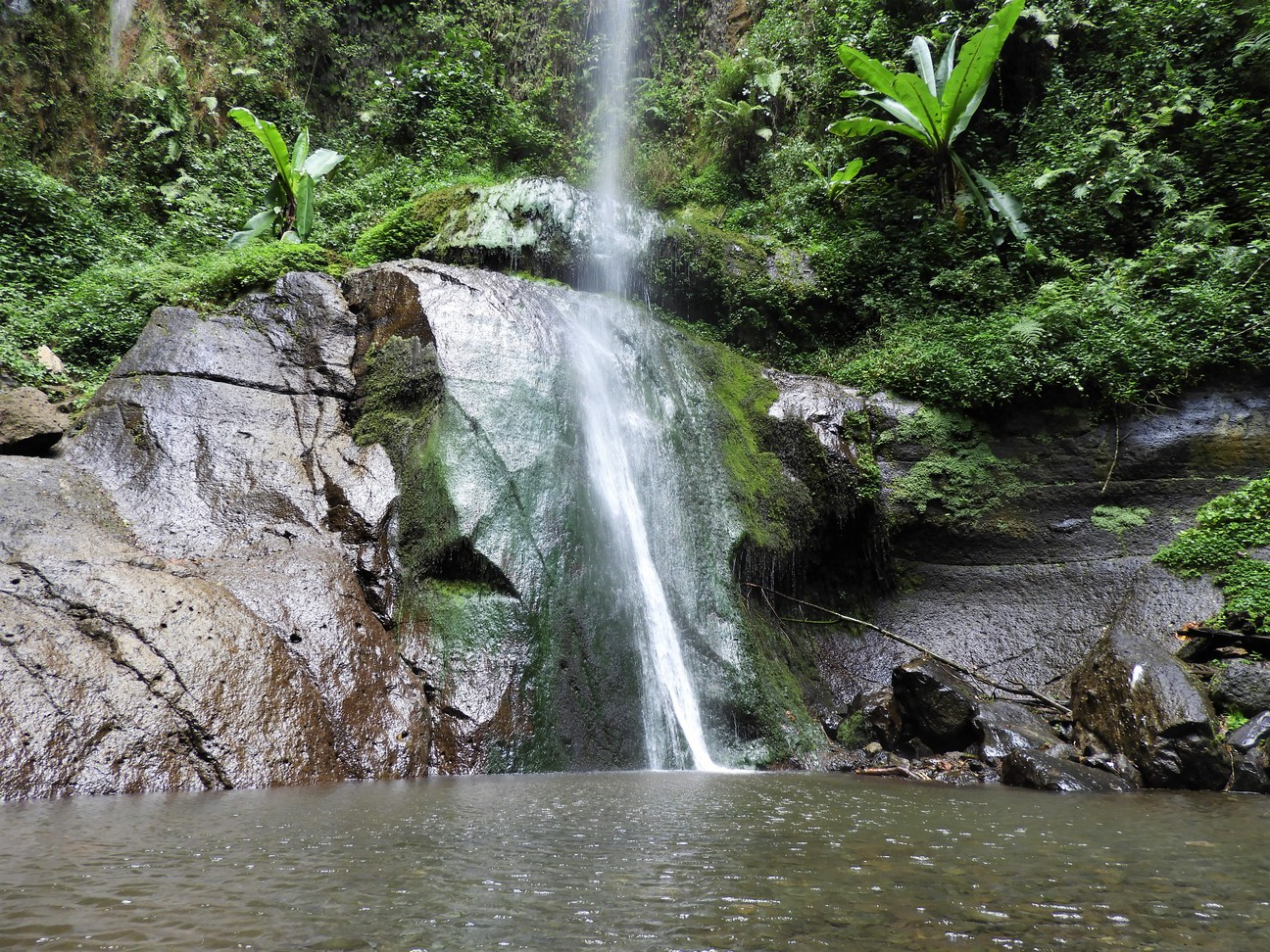 Hiking at Mount Meru - Waterfall
