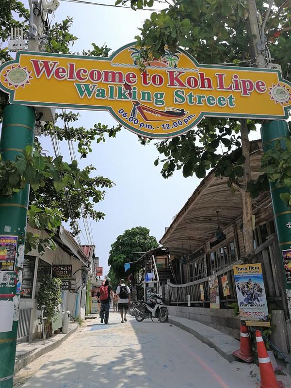 Koh Lipe main street