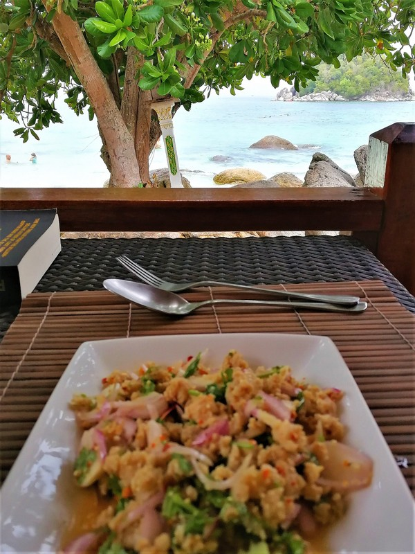 Koh Lipe Ten Moons resort thai restaurants