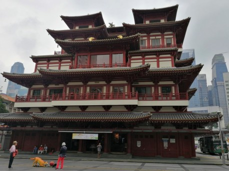 Buddha Tooth Relic Temple in Singapore's China Town