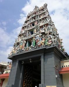 Sri Mariamman Hindu Temple in Singapore Chinatown